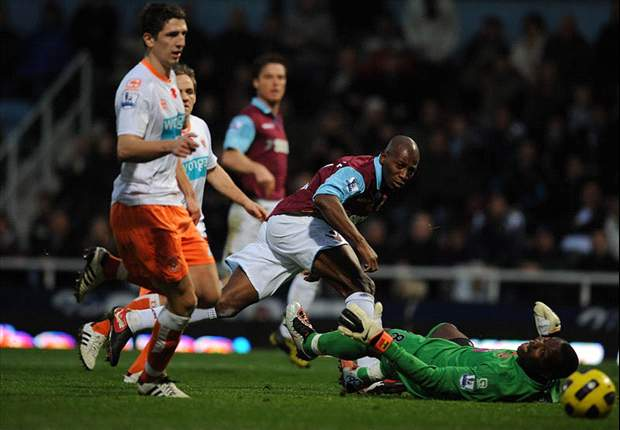 West Ham United 0-0 Blackpool: Noose tightens around Avram Grant's neck as Hammers remain bottom
