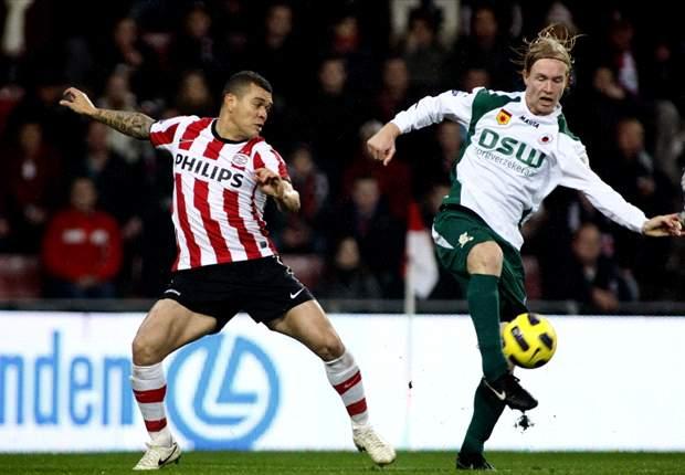 PSV na achterstand plichtmatig langs Excelsior