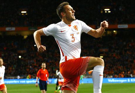 Oranje in eerste helft langs Spanje