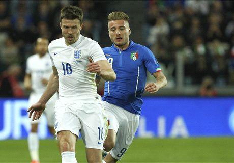 L'Italie et l'Angleterre dos à dos
