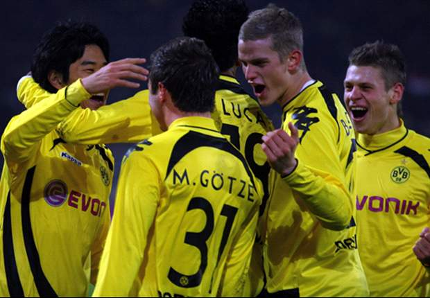 Borussia Dortmund 4-1 Borussia Moenchengladbach: League Leaders Ease To Victory Over Basement Side