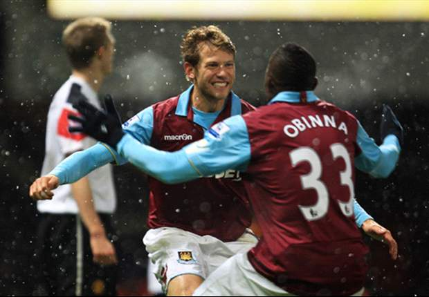 West Ham United 4-0 Manchester United: Jonathan Spector Hits A Brace From Central Midfield