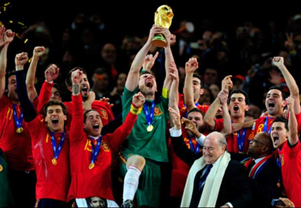 The tale of two World Cup champions - Spain have built a dynasty while Italy have fallen into depression