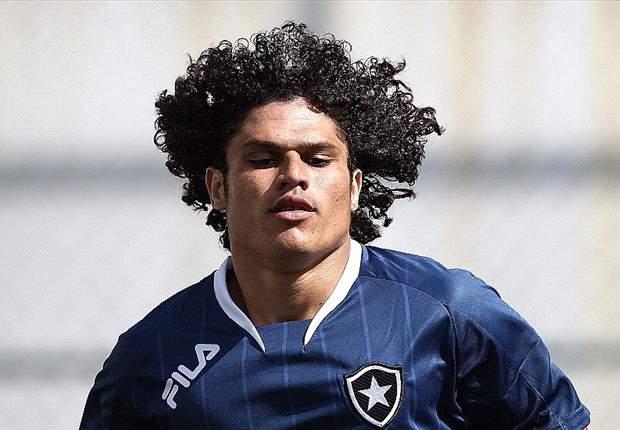 Comissão técnica do Botafogo fica otimista com seus laterais