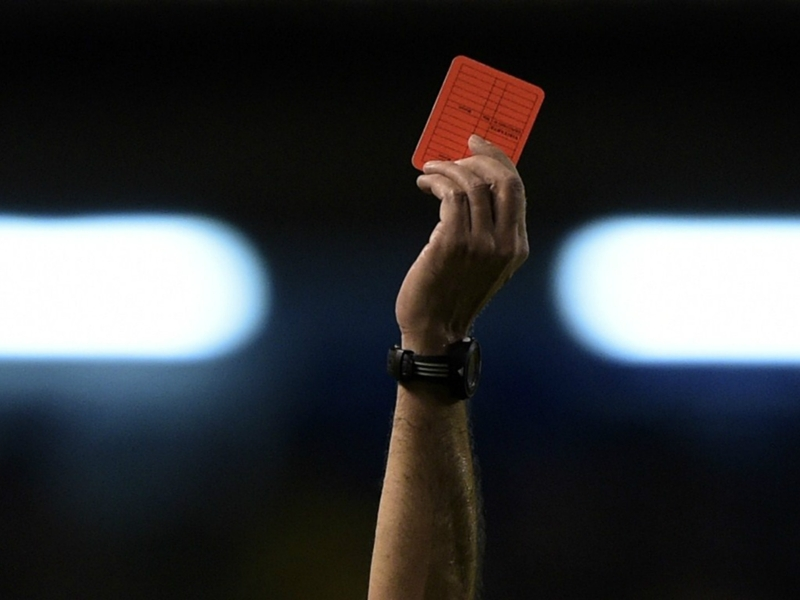 Des arbitres bosniens agressés après un derby