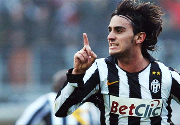 Liverpool's Alberto Aquilani Expresses Desire To Stay At Juventus