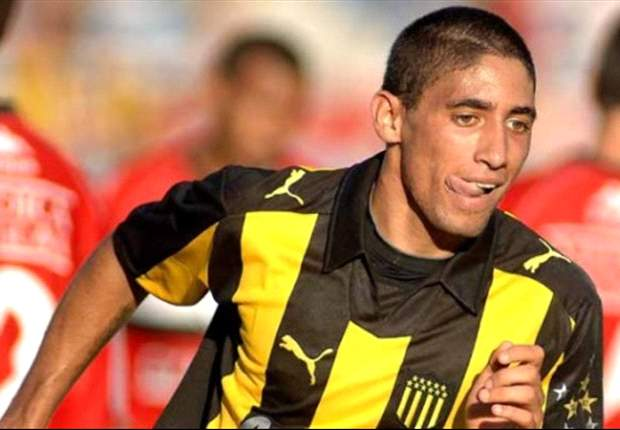 Jonathan Urretaviscaya desea retornar a Peñarol