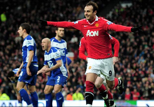 Dimitar Berbatov returns to Manchester United squad for Arsenal clash