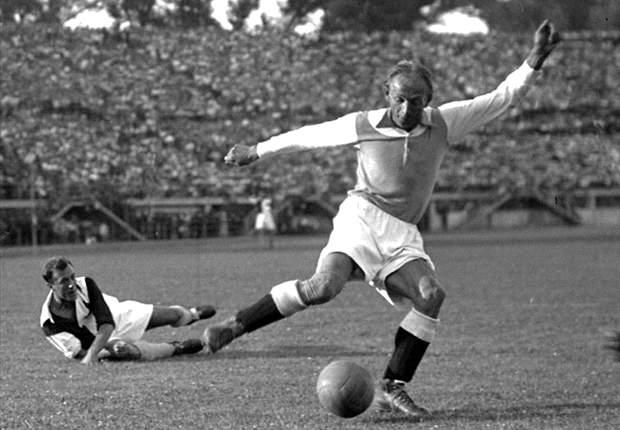 سیاست و فوتبال (2): داستان ماتیاس سیندلر؛ ستاره ای که نازی ها را به سخره گرفت