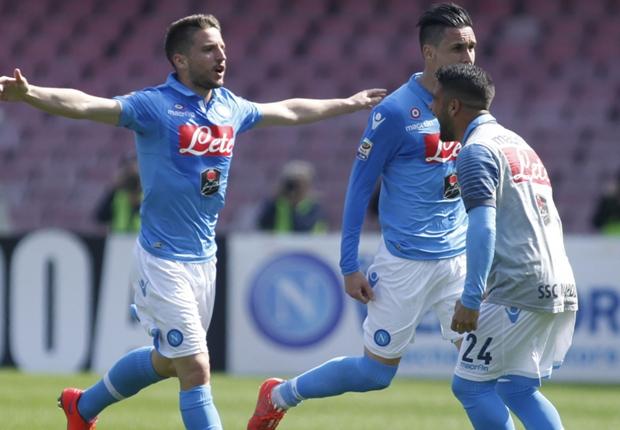 La Roma perd sa deuxième place, Naples explose la Fiorentina
