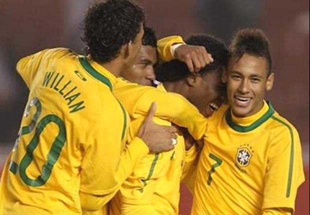 Luck Was On Paraguay's Side - Brazil's Alexandre Pato And Neymar