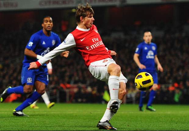 Arsenal 2-1 Everton: Arshavin & Koscielny Steer Gunners To Victory After Contentious Saha Opener