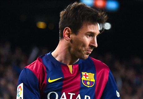 Messi reaches 400 Barcelona goals