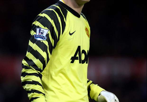 Manchester United goalkeeper Anders Lindegaard an injury doubt for Liverpool showdown