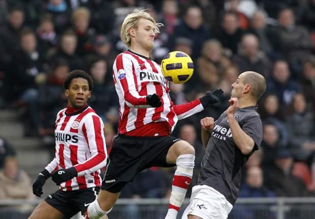 Rode kaart Gudelj helpt PSV in het zadel