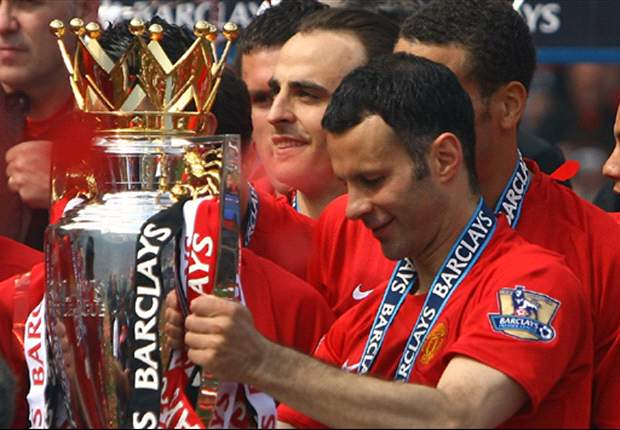 Ryan Giggs says Manchester United 'must stay ahead' of Liverpool after surpassing record title haul