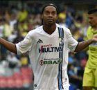 Com samba, dribles e gols R10 conquista corações no México
