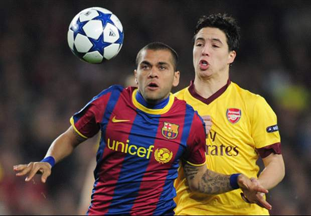 Dani Alves Praises 'Outstanding' Barcelona Performance Against Arsenal