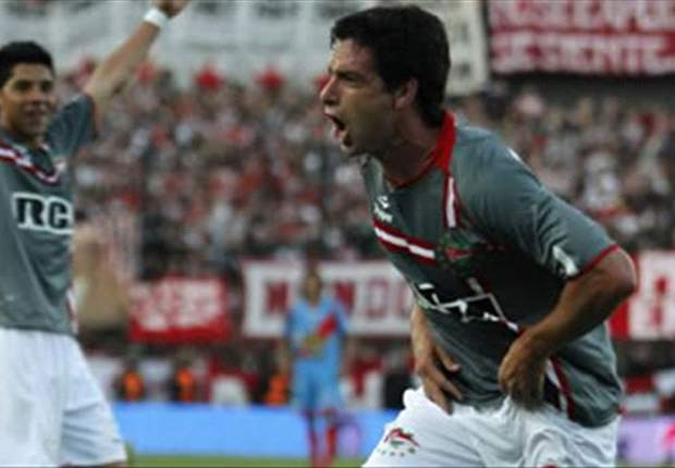 Racing 0-1 Estudiantes: Late Lopez Heroics Send Estudiantes Top