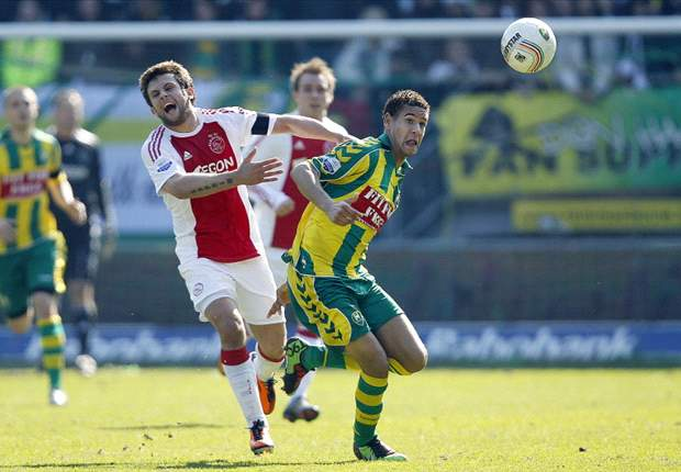 ADO zet Ajax buitenspel in titelrace