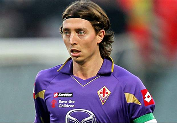 Riccardo Montolivo's agent believes talks between AC Milan and Fiorentina have started