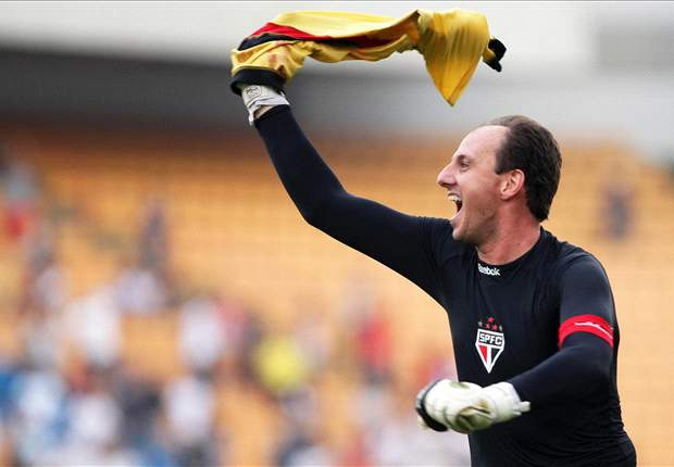 Sao Paulo goalkeeper Rogerio Ceni delighted with 100th career goal