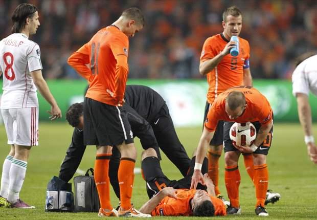 Netherlands coach Bert van Marwijk: Arsenal striker Robin van Persie's injury did not look serious