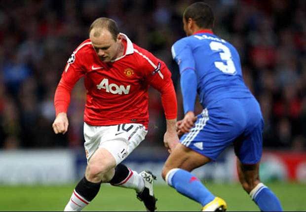 Manchester United's Wayne Rooney acknowledges Manchester City threat