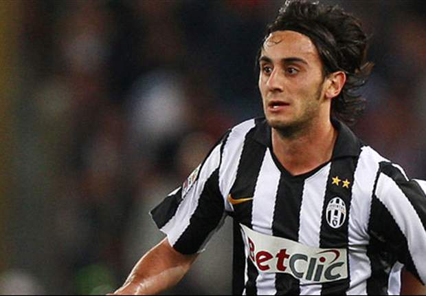 AC Milan join Fiorentina in race for Liverpool's Alberto Aquilani - report