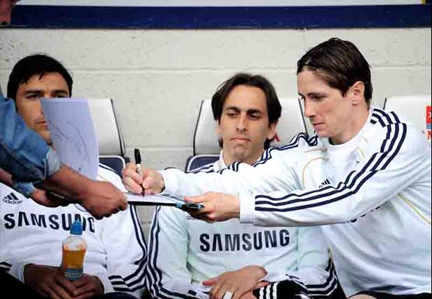 Chelsea can run Manchester United to the finish line, but only if they save the Fernando Torres project until next season