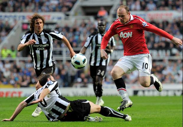 Newcastle 0-0 Manchester United: Ferguson's men extend lead to seven points but stalemate offers Arsenal hope