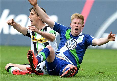Wolfsburg stumble to give Bayern title