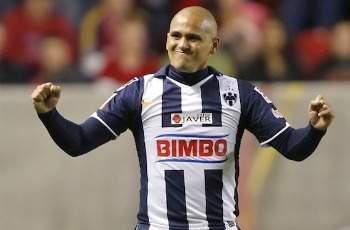 El chileno Humberto Suazo se quiere retirar 'Rayado'