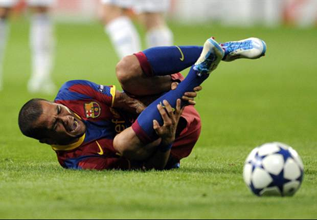 Barcelona's Daniel Alves: We Know How To Lose With Grace, Unlike Real Madrid