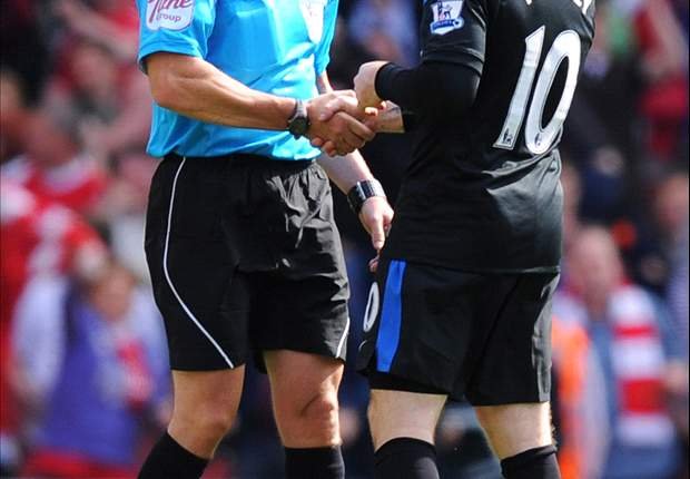 The key decisions referee Chris Foy got wrong in Arsenal's victory over Manchester United