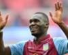 Sherwood: Benteke won't join Liverpool