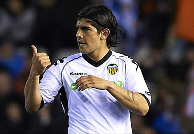 There is interest from an English club in Valencia's Ever Banega - agent