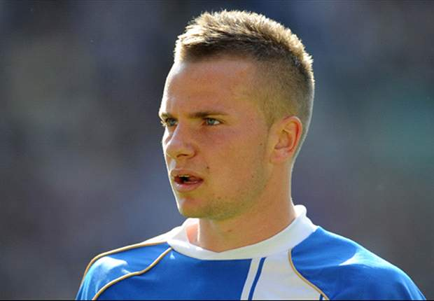 Manchester United midfielder Tom Cleverley wanted back on loan by Wigan Athletic - report