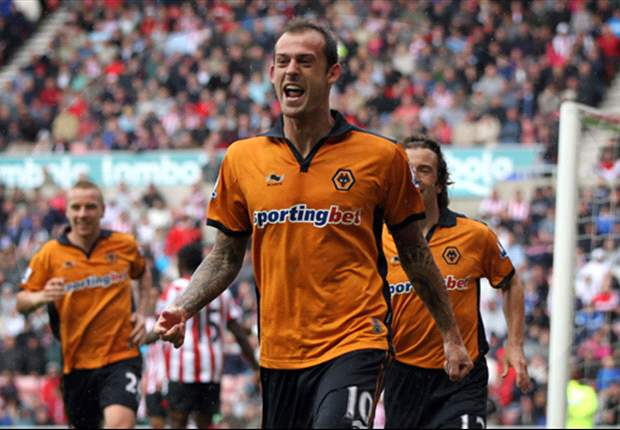 Sunderland confirm Steven Fletcher signing from Wolves