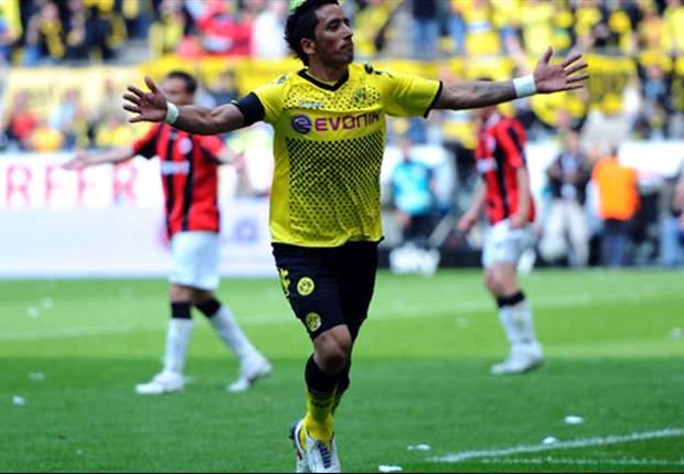 Borussia Dortmund Degradasikan Eintracht Frankfurt