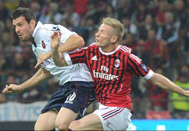 AC Milan 4-1 Cagliari: Robinho inspires Serie A champions in thumping win