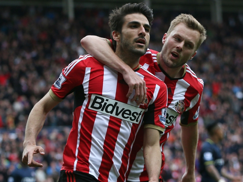Sunderland 2-1 Southampton: Gomez on the spot to boost survival hopes