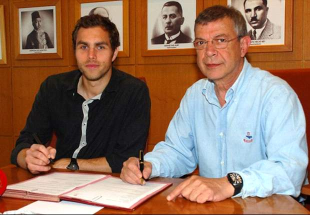 Former Bolton striker Johan Elmander completes move to Galatasaray