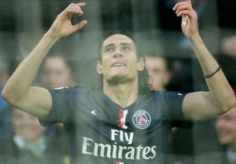 PSG bounce back to top of Ligue 1