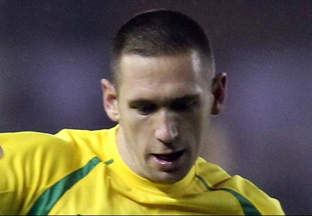 Norwich midfielder Crofts joins Brighton