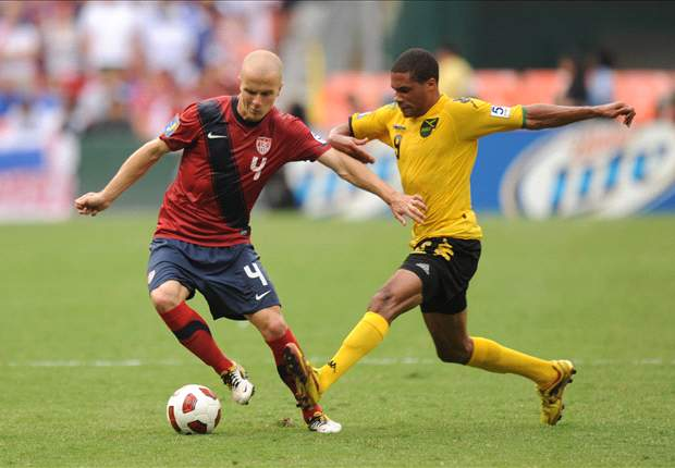 Shavar Thomas in action for Jamaica against USA at the Gold Cup