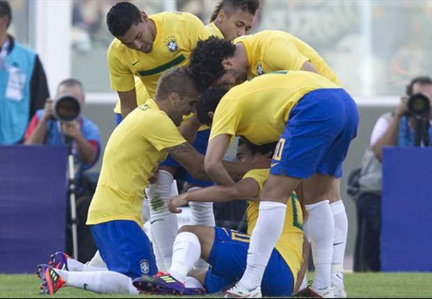 Brazil's Dani Alves: I Made A 'Bad Error' Which Resulted In Paraguay's Second Goal