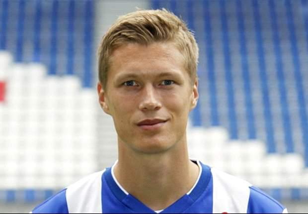 Viktor Elm vergezelt Rasmus bij AZ