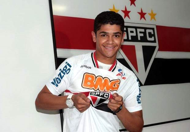 Sao Paulo confirm deal with Arsenal to extend Denilson loan