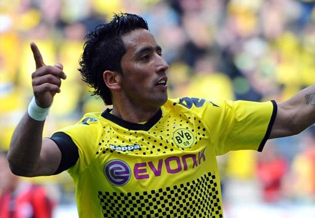 Fulham in advanced talks to sign £8.3m Borussia Dortmund striker Lucas Barrios after accepting £5m QPR bid for Bobby Zamora